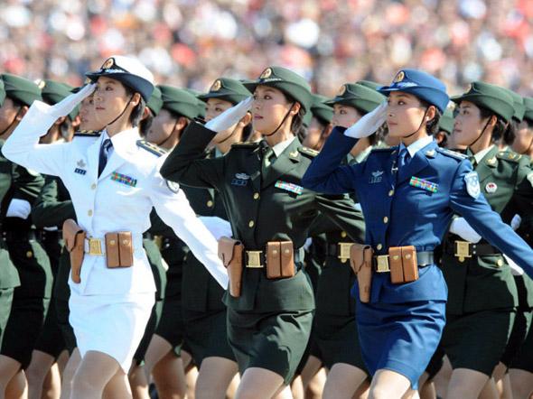 白求恩士官学校阅兵